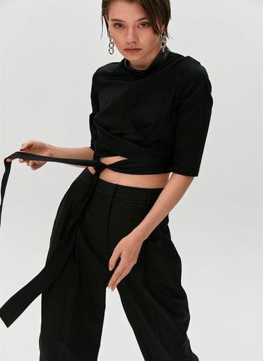 Rue Düğüm Detaylı Ve Kuşaklı Bluz Siyah
